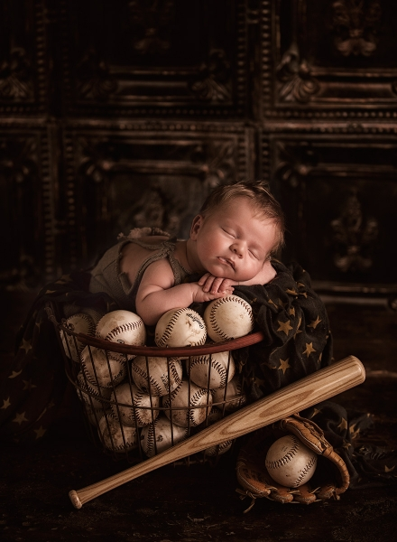 Should you niche? Dani Miller did and her studio thrived newborn, child, and maternity photographer Dani Miller