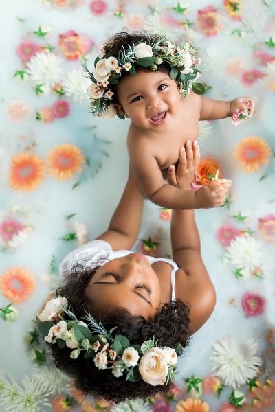 How to run a milk bath portrait session, maternity and baby photographer Ute-Christin Cowan