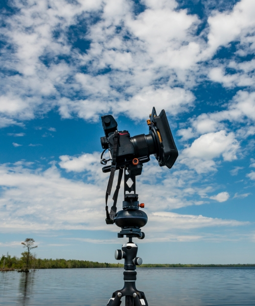 This time-lapse setup uses the Nikon Z 7 with Nikkor 14-30mm f/4 S lens, the Timelapse+ View intervalometer, PolarPro Summit landscape filter system (CPL, ND64, ND4-GR), a Miops Capsule360 motion box and Pan/Tilt kit, and a Gitzo Series 1 Traveler tripod.
